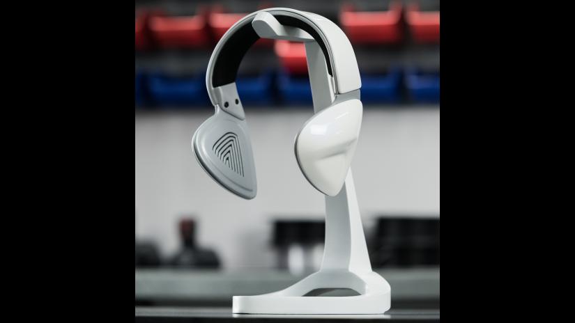 post-processing-06-assembling-headphones-2.png
