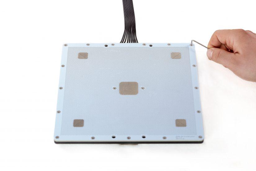 Platform-Maintenance-05-odkręcenie-płyty-perforowanejA.jpg