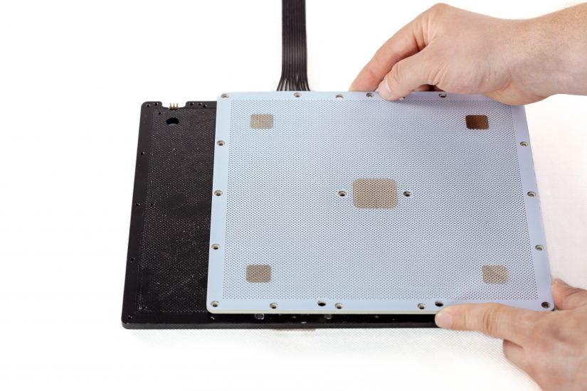 Platform-Maintenance-05-odkręcenie-płyty-perforowanejD.jpg