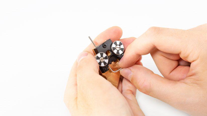 Extruder-Maintenance-D-08-Wyczyść-kanały-z-enkoderami-z-resztek-materiału-1.jpg