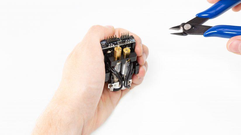 Extruder-Maintenance-D-11-Sprawdź-kanał-modułu-–-ucięcie-wystającego-materiału-4.jpg