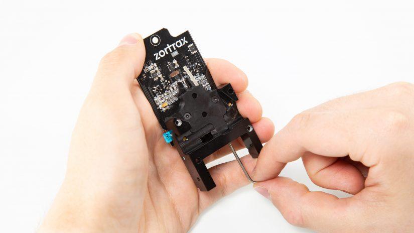 Extruder-Maintenance-D-12-Sprawdź-kanały-między-modułem-a-pcb-3.jpg