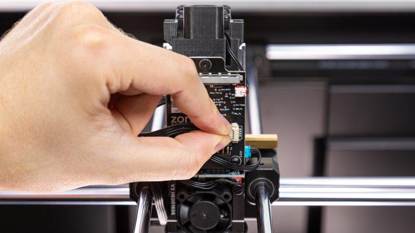 Extruder-Maintenance-D-17-Przypnij--wypięte-przewody-7.jpg